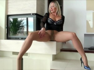 Ala Gives You A Pantyhose Leg Show That Will Get You Hot.