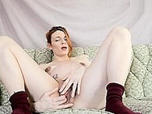 Pregnant Fingering And Spreading
