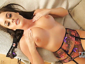 Emma Green Is Stunning In A Full Lingerie Set