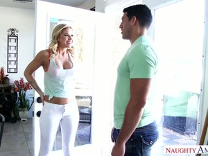 Gorgeous Blonde Jessa Rhodes Gets Intimate With Husband Of Her Best Girlfriend