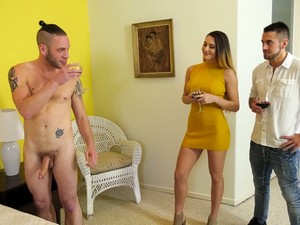 Swanky Babe Ella Reese And Her Bisexual Boyfriend Fuck One Handsome Guy