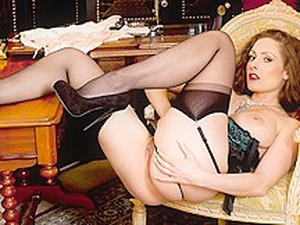 Sophia Delane In Bedroom Babe - TwistysNetwork