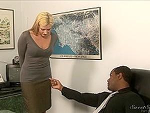 Blonde Hottie In Wicked Interracial Oral Fun