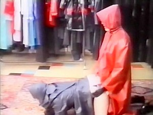 Rubber Raincoat Sex - Kleppermantelsex