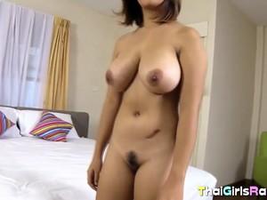 巨乳,タイ人のポルノ