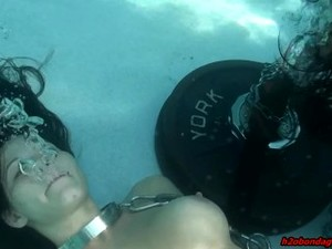 Drea Underwater