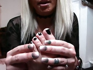 Goddess Lacey - Eat My Toenails