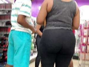 Ebony MILF Spandex Big Ass