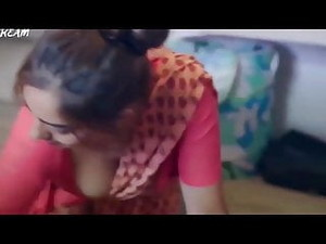 Desi Hot Maid Cleavage