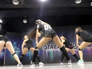 Twerk Dancing PMV