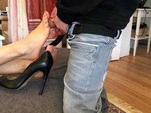 DECENT FOOTJOB - TOEJOB FOR MY MAN ( By Jossie Fox )