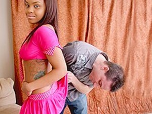 Lloyd Platinum & Izces Divine In Izces Divine Lets Her Landlord Play With Her Luscious Body - BestGonzo