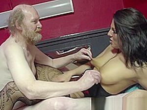 Hot Hooker Helps Oldy Cum