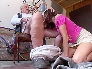 Anita Gives Dirty Old Man A Blowjob