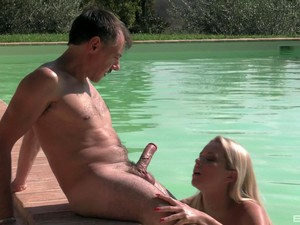 Blonde Girl Nikky Dream Is The Real Queen Of Amazing Fuck By The River
