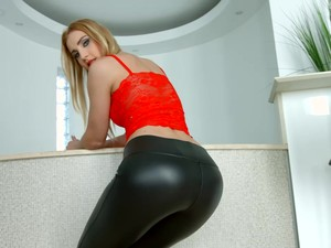 Lulu Love In Black Leather Pants Fucked By Two Rock-hard Cocks