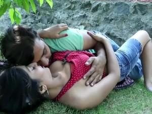 Hot Desi Shortfilm 264 - Aarti Soni Boobs Pressed, Kissed, Navel Kiss, Smoo
