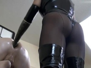 German Latex Domina Strapon And Fisting