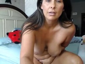 YouPorn_-_curvaceous-cougar-housewife-with-pink-tight-twat-and-huge-tits.mp4