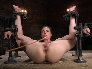 BDSM To Extreme For The Obedient Babe