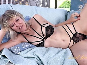 48yr-old Aunt Jamie Rubs And Toys Her Shaved Pussy