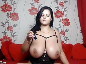 Huge Natural Boobs Teen Babe