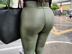 Huge Big Booty Green Legging Secretary Candid Ass
