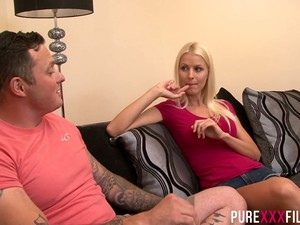 Swedish Lynna Nilsson Loves Facesitting As Stud Is A Good Pussy Licker
