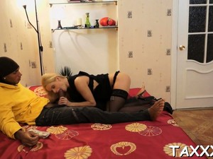Breathtaking Blonde Gf Lina Napoli Gets A Hard Ride