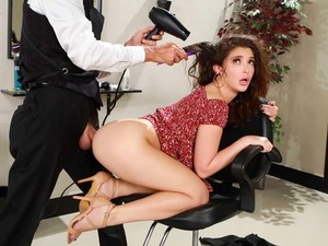 Brunette During A Visit To The Beauty Salon Engaged In Anal Sex