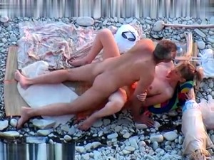 Public Voyeur Outdoors Sex Cumshot On The Beach