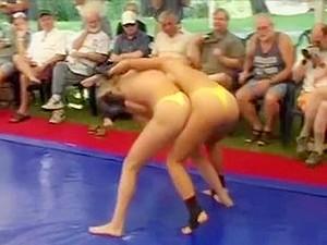 Irina Vs Nastassia Catfight Dww