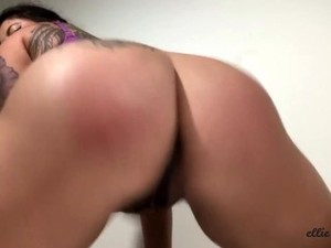 Self-Spanking, Paddling, & Twerking!