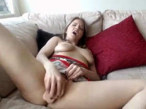 Horny Babe Having A Real Orgasm Using Dildo