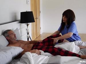 Cheating Wife Kiara Edwards Sucks A Dick And Rides Him Wild