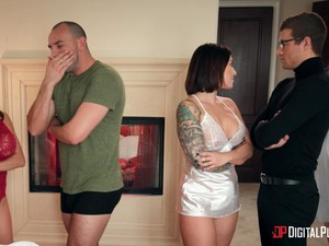 Cheating Wife Alexis Faws Loves To Be Fucked By Her Neighbor