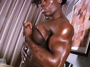 Mistress-Treasure Ebony FBB Amazon Goddess Solo Muscle-show