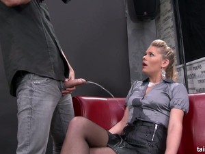 Horn-mad Blondie Lets Dude Piss On Her Before Fucking Her Wet Pussy