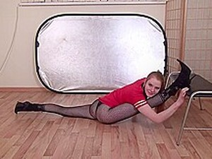 CL-STUDIO-flexible Gimnastic Girl Felicia