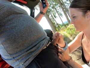 Outdoor - Footjob & Gefickt Mit Handschellen