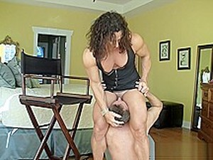 Big Muscle Annie Handjob&fuck