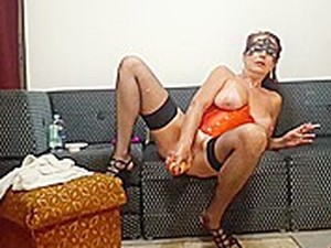 Milf Masturbating Smoking Big Toy Wildcat