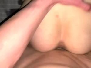 Подросток не хотела сниматься в порно! Секс с школьницей в презервативе!