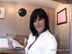 Rachel In Nylons