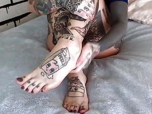 Tattooed Cam Girl Feet
