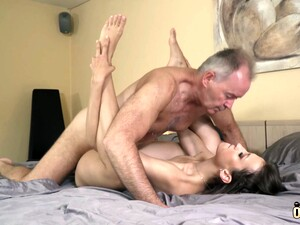 Teen With Beautiful Sucking Lips Fucks Grandpa Hardcore