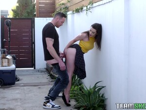 Sex-starved Girl Lyra Lockhart Gives A Blowjob And Gets Fucked Outdoor