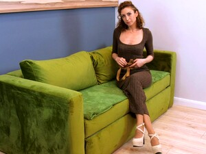 Sex-starved Mature Woman Dafna May Is Playing With Wet Pussy