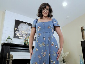 Nerdy Stepmom With Juicy Boobs Penny Barber Turned To Be A Hot Teaser