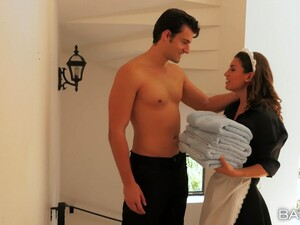 Maind Julia Roca In Uniform Gets Banged Good By Her Horny Boss